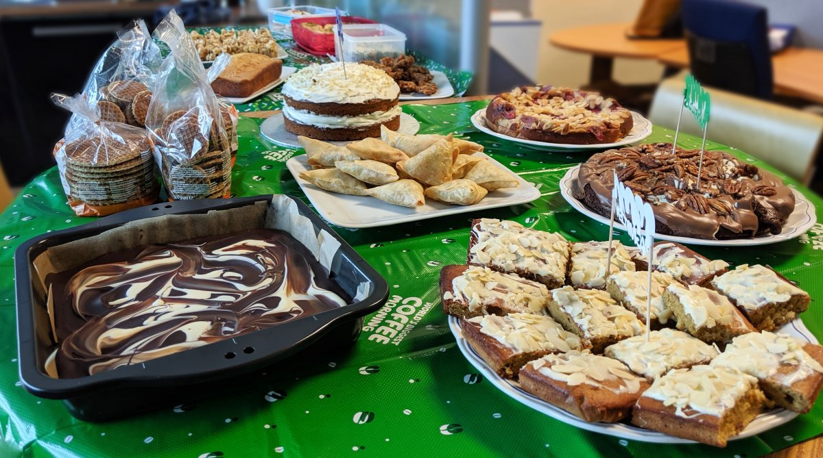 Macmillan Coffee Morning Cakes Baked by M12 Giganet